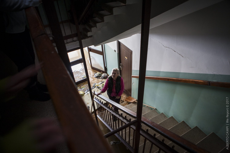 Cosa fare se non salire e scendere le scale. Obrenovac, Serbia 2014